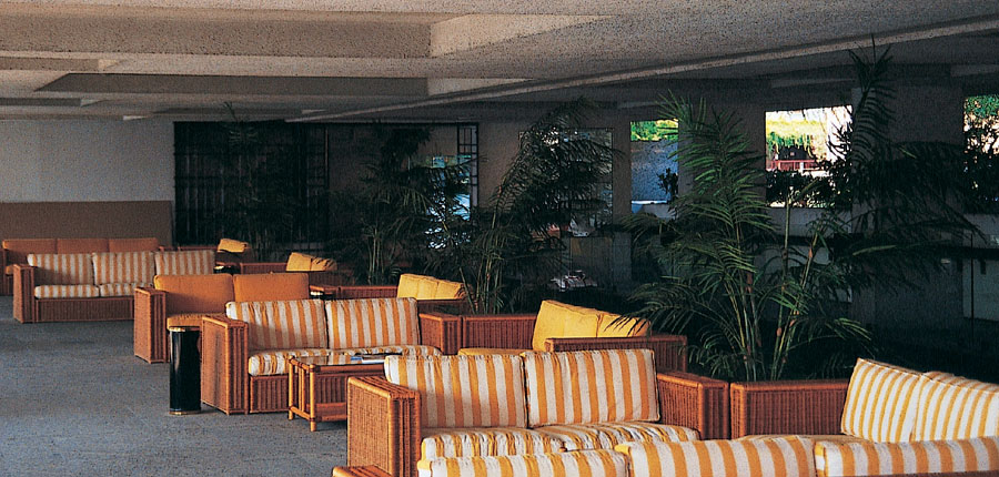 Hotel Salo Du Parc, Gulf of Salo, Italy - Lounge.jpg